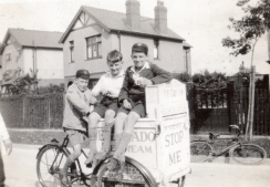 Ray Parry (R) with cousin (in cap) & friend, Earlsway, Curzon Park